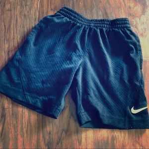 💙4 for 15!💙 boys Nike shorts